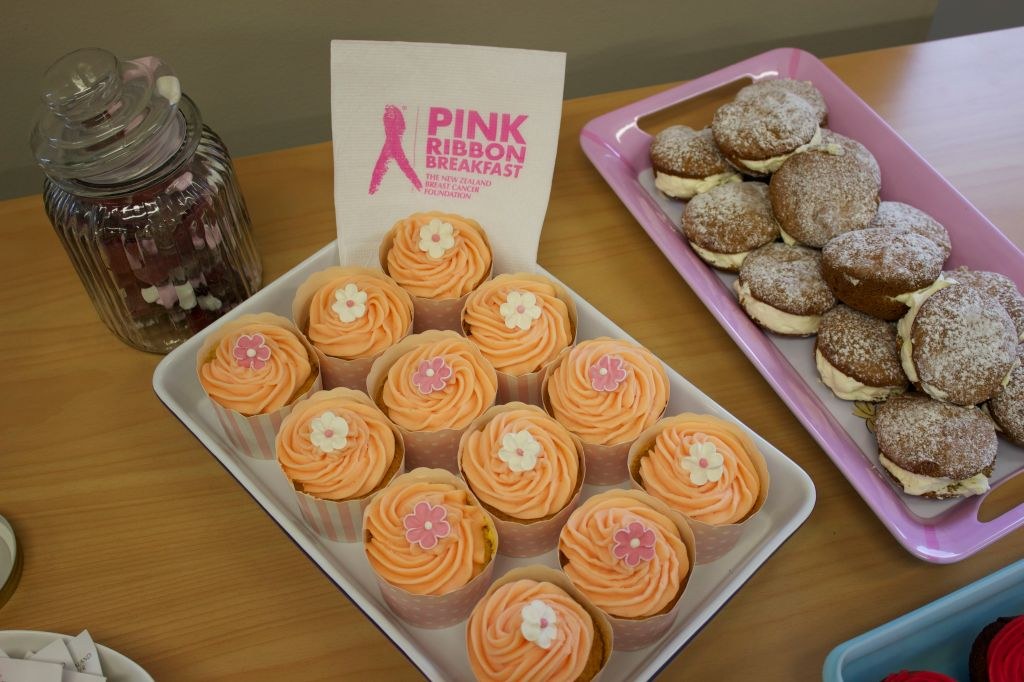 15 - 5 - 14 OWLS Pink Ribbon Morning Tea 06